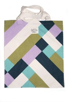Amazing pattern for this tote bag !! Charlie's Dreams, Paris