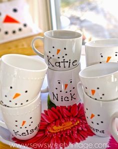 11. DIY #Snowmen Mugs - 37 Snowman #Crafts That Don't Need Snow ... → DIY #Wreath