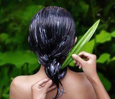 Como fazer hidratação com babosa. Se você procura hidratar seu cabelo sem recorrer a produtos caros e maus para a saúde, fazer hidratação com babosa (ou aloé vera) pode ser uma boa solução. Os produtos capilares de supermercado inclue...