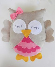 owl toy- by la petite Melina Diy Craft Projects, Crochet Projects, Sewing Projects, Adoption Gifts, Felt Owls, Owl Crafts, Pink Owl, Baby Owls, Cute Owl