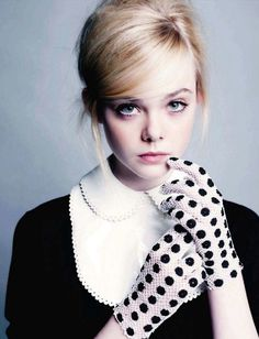 """elle fanning - love the """"pouf"""" in her hair ;)"""