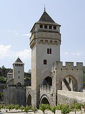 Pont Valentre in Cahors ~ Midi-Pyrenees, France Medieval Tower, Pyrenees, Covered Bridges, France Travel, Minecraft Houses, Pathways, Rue, Paris, Country