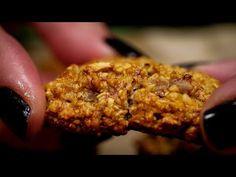 Prăjiturele cu ovăz, nuci, stafide și semințe de in - YouTube Vegan, Youtube, Desserts, Food, Tailgate Desserts, Meal, Deserts, Essen, Dessert