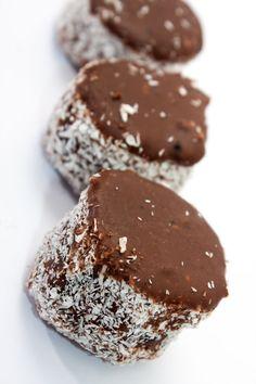 Čokoládovo-kokosové koláčiky Krispie Treats, Rice Krispies, Cookies, Chocolate, Desserts, Food, Basket, Christmas, Crack Crackers