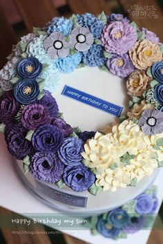 thisiscake Korean style buttercream flower cake.  chocolate sheet with ganache [www.thisiscake.co.kr]