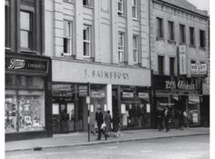 Sainsbury's has reopened a store in Croydon that has an illustrious history - it was the retailer's first store outside of London, and was a pioneering self-service outlet in the Vintage London, Old London, Croydon London, Retail News, Little Shop Of Horrors, London Architecture, London History, Sainsburys, Crystal Palace