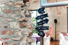 Hinweisschild als Dekoration bei www.weddingstyle.de | Foto: von [blickfang] Event Design