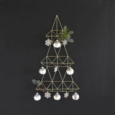 Chic Modern Christmas Decorating Ideas For 2017 - Fulviodvr Modern Christmas Ornaments, Modern Christmas Decor, Merry Christmas To You, Handmade Ornaments, Merry Xmas, Christmas Fun, Handmade Gifts, Christmas Bathroom, Wall Sculptures