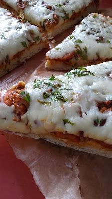 Bolognai pizza Calzone, Bologna, Mashed Potatoes, Pizza, Meat, Chicken, Ethnic Recipes, Food, Beef
