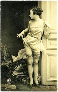 1920's Alfred Noyer lingerie French postcard