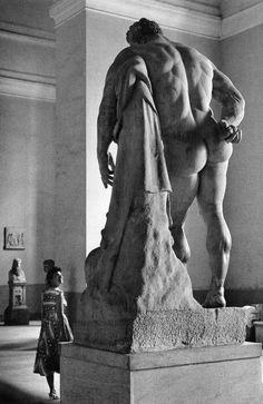 Флирт с Геркулесом Боргезе. Неаполь. 1961 г.