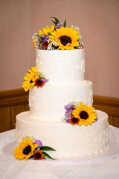 wedding cakes with fresh sunflowers - Google Search