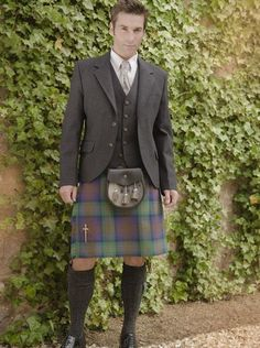 The Kinloch Anderson Day Kilt Jacket in Charcoal Grey Tweed | Kinloch Anderson