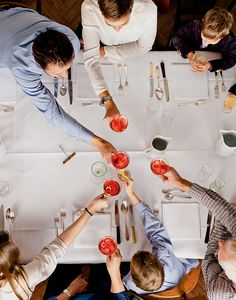 Zu Tisch ihr Lieben: Fünf Rezepte für ein leckeres Weihnachtsmenü (Redaktion: Karin Messerli; Fotos: Daniel Valance, Karin Heer)