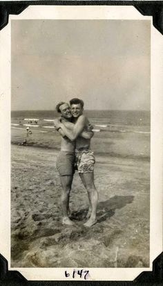 Lgbt Couples, Cute Gay Couples, Vintage Couples, Vintage Men, Vintage Lesbian, Vintage Romance, Vintage Photographs, Vintage Photos, Lgbt History