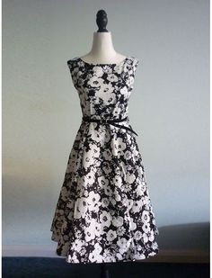 1950s Vintage Retro Rockabilly Swing Black and White Floral Dress