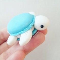 After I saw macaronified her Melli, I knew I had to macaronify my turtles!💖 polymerClay polymer clay Sculpey, Premo, Fimo is part of Cute desserts - Cute Polymer Clay, Cute Clay, Polymer Clay Crafts, Polymer Clay Turtle, Macarons, Cute Food, Yummy Food, Cute Baking, Clay Charms