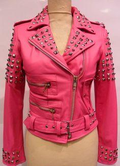 Blouson cuir style perfecto clouté agneau rose pour femme de marque djorno