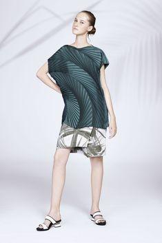 Issey Miyake Resort 2016 Fashion Show