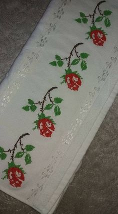 This Pin was discovered by Arz Cross Stitch Love, Cross Stitch Borders, Cross Stitch Charts, Cross Stitching, Cross Stitch Patterns, Palestinian Embroidery, Bargello, Filet Crochet, Embroidery Patterns
