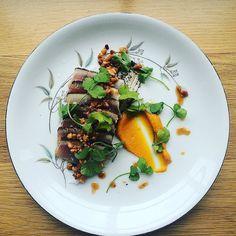 (Slightly pickled) Albacore tuna tataki togarashi kuro crust carrot/orange kosho/coriander purée spicy onion ash pickled peanuts coriander leaf.  #Kawani #kawaniwestport #albacore #izakaya #japan #westport #togarashikuro #japanesefood #depthofflavor #sashimi #tataki #鰹ノタタキ #ct #cteats #ctbites #cteatsout #omnomct #saugatuckeats @billtaibe @sesweeney81 @craiven15 @ctmassimo @jefftaibe @jessicashureagainsthumanity by kawaniwestport