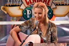 """22 Reasons Why Phoebe Buffay Should Be Your Role Model - There is SO MUCH more to her than """"Smelly Cat."""""""