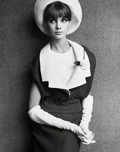 Jean Shrimpton in a Dior suit, photo by John French for The Sunday Times, 1963