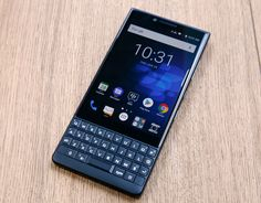BlackBerry is launching a new special edition smartphone in red! Blackberry Smartphone, Blackberry Phones, Blackberry Z10, Tools And Toys, Sony Phone, Mobile News, Microsoft Surface, Cool Gadgets, Shopping