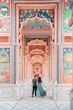 Travel Pose, Travel Photos, Girl Travel, Travel Vlog, Jaipur India, Udaipur, Photography Poses, Travel Photography, Jaipur Travel