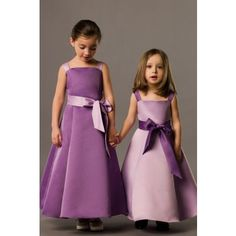 My girls might be flower girls for Nana this year. how about these flower girl's dresses? Love the different shades. This pattern might be simple and pretty enough for 5 flower girls from to Fall Wedding Dresses, Cheap Wedding Dress, Wedding Gowns, Perfect Wedding, Dream Wedding, Wedding Day, Wedding Girl, Wedding Stuff, Bridesmaids