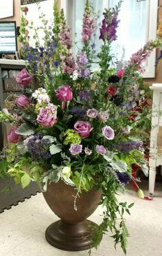 Urn pieces for garden wedding