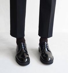 Find images and videos about fashion, black and shoes on We Heart It - the app to get lost in what you love. Doc Martens Oxfords, Dr. Martens, Roman Godfrey, Derby, The Secret History, Look At You, Sherlock, Oxford Shoes, Mens Fashion
