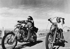 Easy Rider Don't stay withour knowing !!! Ne restez pas sans savoir ! Non rimanere senza sapere ! https://www.facebook.com/boutiqueroute66/?view_public_for=1752459178343911