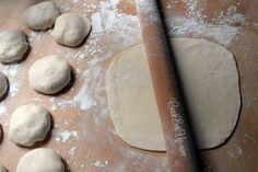 Ζύμη για χωριάτικο φύλλο ⋆ Cook Eat Up! Keto Cheesecake, Greek Recipes, Rolling Pin, Food To Make, Food Processor Recipes, Food And Drink, Cooking Recipes, Bread, Cookies