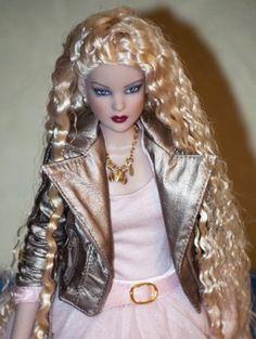 About Aida: Cami Basic Platinum 2010