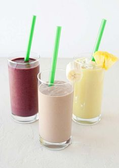 almond milk breakfast smoothies