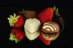 Free Image on Pixabay - Strawberries, Chocolate, Food Mini Bars, Cute Gifts For Girlfriend, Valentine Chocolate, Chocolate Strawberries, Chocolate Recipes, Chocolate Food, New Recipes, Decir No, Strawberry