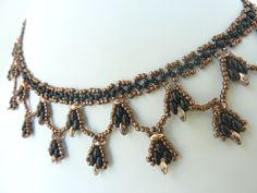 FREE Pattern - SuperDuo Buds Necklace. Page 1/2. From BeadDiagrams.