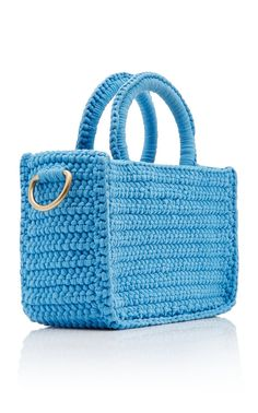 Siblings Laetitia and Gregory Mizele created their eponymous label of iconic woven bags with the techniques passed down from generation to generation. Crochet Doily Rug, Crochet Tote, Crochet Handbags, Crochet Purses, Bag Pattern Free, Small Shoulder Bag, Crochet Accessories, Crochet Clothes, Purses And Bags