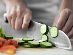 Salátové okurky: Na bolest hlavy, tlak i na pálení žáhy Zumba, Cucumber, Health And Beauty, Vegetables, Vegetable Recipes, Zucchini, Veggies