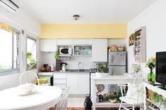 Interiores #165: Jardín secreto – Casa Chaucha House Colors, Sweet Home, Table, Design, Furniture, Hobbit Hole, Home Decor, Apartments, Nest