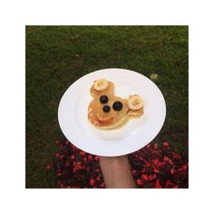 Mickey Mouse Banana Pancake with fruits Micky Mouse muzlu pankek üzerinde meyveler #foodporn #theartofplating #truecooks #sharingiscaring #recipes #foodoftheday #delicious #truecooks #chefsofinstagram #cheftalk #culturalfood #yummy #homemade #cheflife #sharefood #favorite #getdrop #foodgasm #cooking4love #chefsroll #food #foodlovers  #americanfood #mickeymouse #pancake by magic_kitchen1