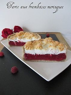 Tarte aux framboises meringuée … mais pas que Who has never dreamed of being able to have fun without feeling guilty? This is how I offer you a recipe for raspberry pie meringue WITHOUT butter and just … Raspberry Meringue, Meringue Pie, Easy Smoothie Recipes, Snack Recipes, Snacks, Cinnamon Cream Cheeses, Pumpkin Spice Cupcakes, Fall Desserts, Ice Cream Recipes