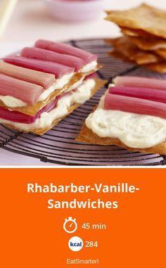 Regional & saisonal: Rhabarber-Vanille-Sandwiches - kalorienarm - einfaches Gericht - So gesund ist das Rezept: 6,5/10   Eine Rezeptidee von EAT SMARTER   Frühling, Frühlingsrezepte, Obst, Dessert, Rhabarber-Dessert, Creme, Süssspeise #filoteig #rezepte