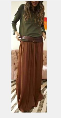 Belt & colors How to balance shapes and size over long brown thrifted suede skirt? Earthy tones on long brown skirt belted over mossy green top - for leaving Hobart to Melbourne to fly to London on the private jet Winter Skirt Outfit, Skirt Outfits, Flowy Skirt, Dress Skirt, Brown Fashion, Autumn Fashion, Earthy Style, Bohemian Skirt, Brown Skirts