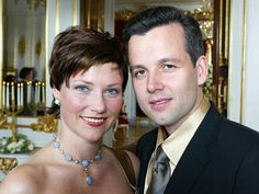 Official engagement portrait by Lise Åserud of Princess Märtha Louise of Norway and mr. Ari Behn on January 25, 2002