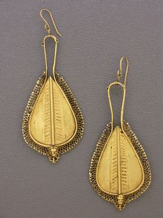 Antique 22kt gold earrings in fabulous condition, created by the Nage people of the island of Flores,