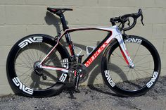 The Level 3 - Merckx 525 with EPS Record and Enve Wheelset