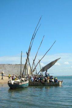 Arabian dhow readying to cross from Ilha de Mocambique to CabaceiraIlha de Moçambique - Mozambique