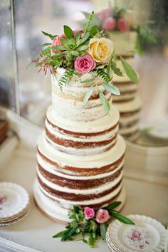 Vintage naked cake..